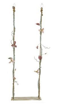 Altalena decorativa con fiori