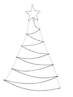 Albero stilizzato con stella – 110 LED – luce calda